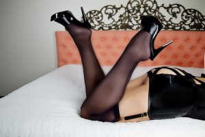 Thomine escorts in Broadlands VA