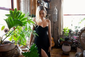 Benedikte escort in Santa Fe Texas, nuru massage
