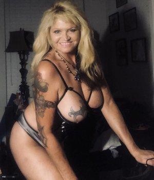 Launa live escorts in Miamisburg and erotic massage