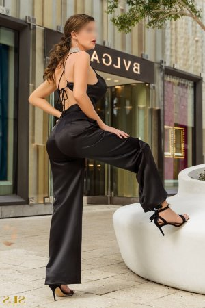 Ginevra thai massage and live escorts